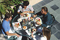 alfresco_dining_205x140