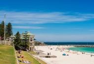 Neal Pritchard: Cottesloe Beach in Perth, Western Australia